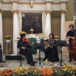 <u>Benhsain Quartet:</u><br>Adil Benhsain<br>(Maroko/Belgia)<br>oud (arabska lutnia)<br><br> Laurent Tardat<br>(Wietnam/Francja)<br>skrzypce, altówka<br><br> Elias Bartholomeus<br>(Belgia)<br>kontrabas<br><br>Maxim Melempré<br>(Belgia)<br>perkusja