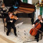<u>Trio Vivo</u><br>Magdalena Kling-Fender<br>skrzypce<br><br>Robert Fender<br>wiolonczelaKatarzyna Kling - fortepian
